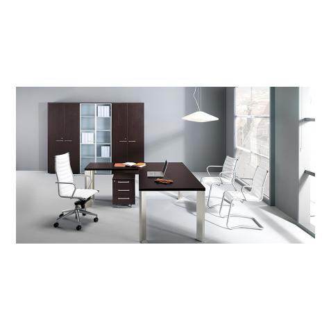 Scrivanie direzionali classiche e moderne per ufficio for Scrivanie direzionali moderne